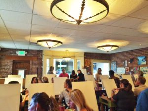 カフェで絵画レッスン Paint Class at Crafted Palette